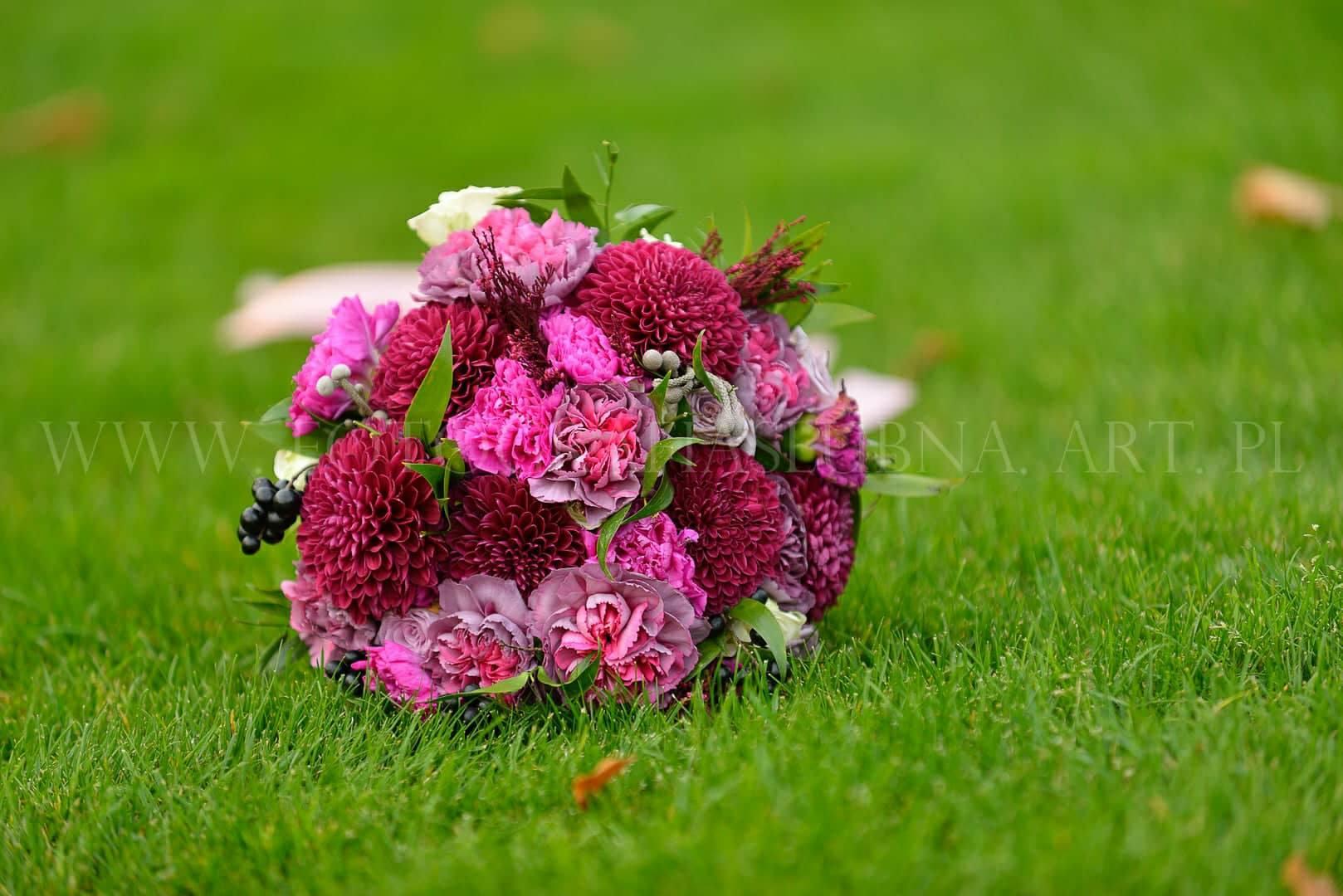 bukiet ślubny dekorka.com bukiet rózówo fioletowy