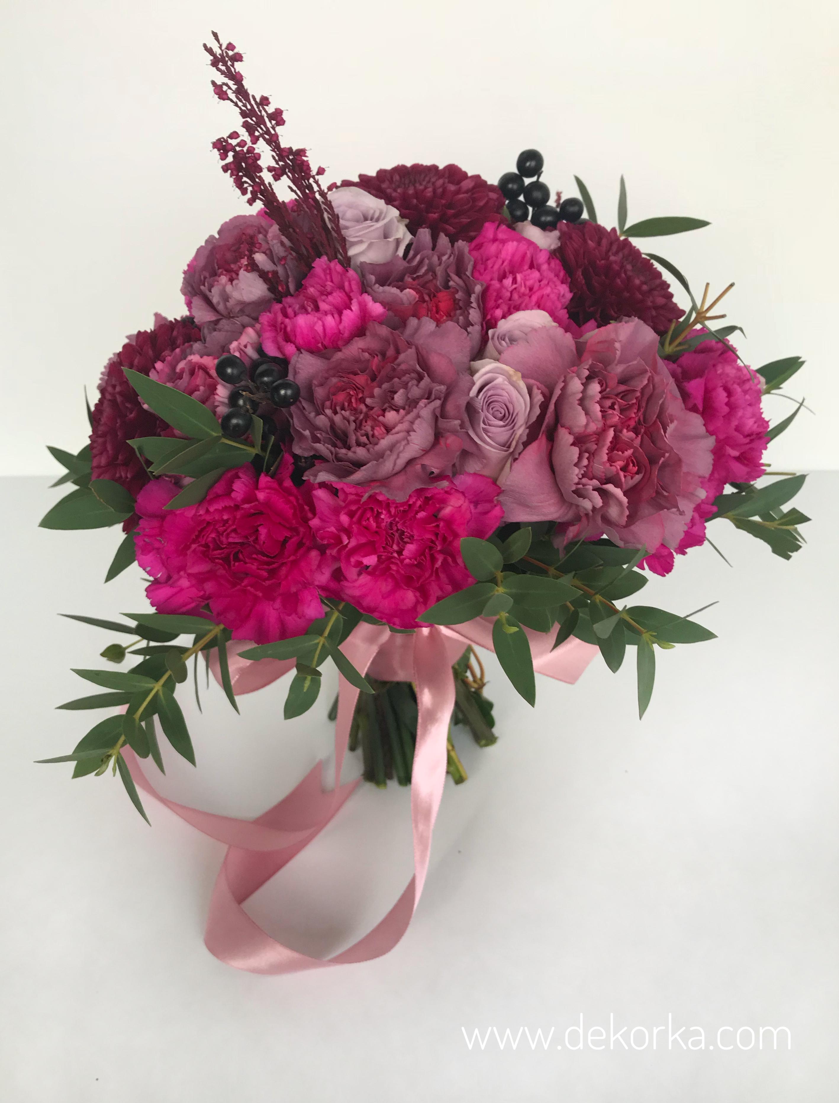 bukiet slubny fioletowo różowy  dekorka.com katowice kwiaciarnia